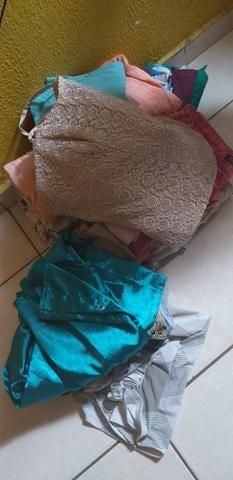 Sacola de roupas para brechó
