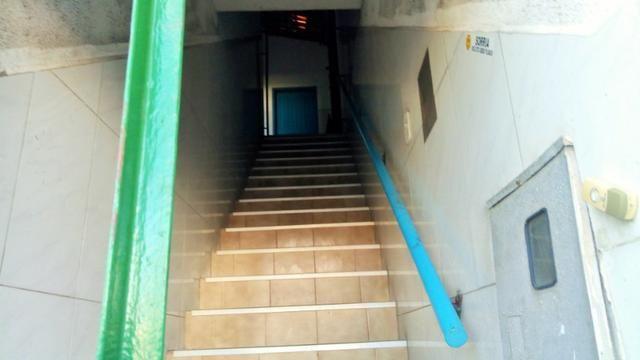 Alugue Galpão com 900m² na Rua do Acre - Foto 5