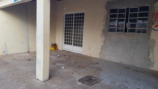 Casa de 2 Quartos - Escriturada com Barraco de Fundo - Aceita Proposta - Foto 7
