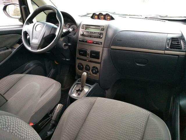 Fiat Idea Adventure 1.8 E-Torq 2011 Automatico (Dualogic) - Foto 10