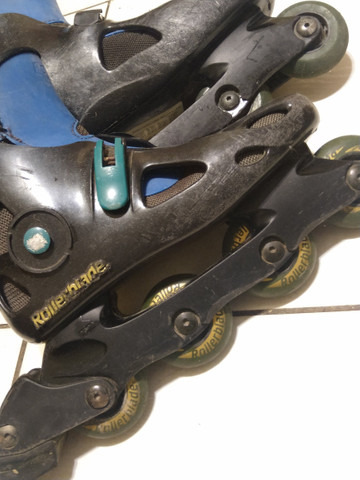 Patins Rollerblade e bolsa (leia) - Foto 3