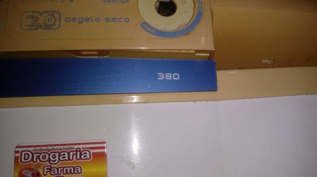 Vende-se uma geladeira consul 380L - Foto 2