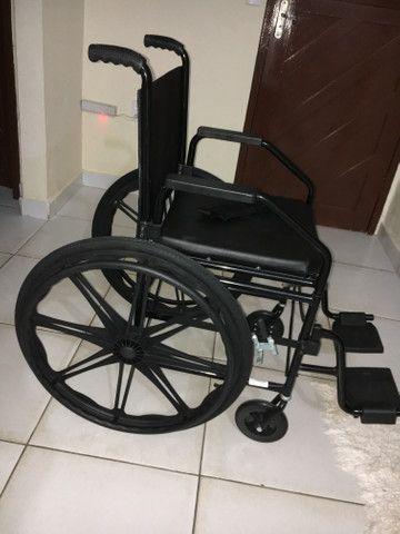 Vende-se cadeira de rodas - Foto 4
