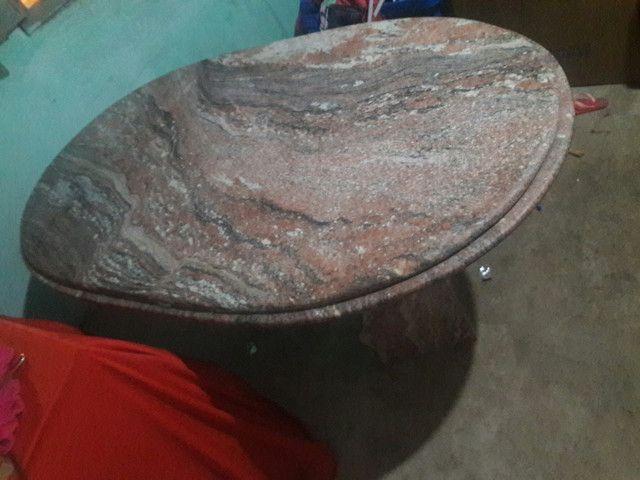 Vende-se uma mesa de granito Rosa colonial com duas base comprimento 1 65 por 90 1.200 - Foto 3