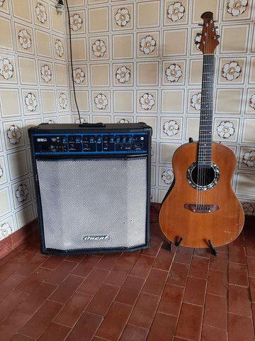 Violão Giannini e caixa