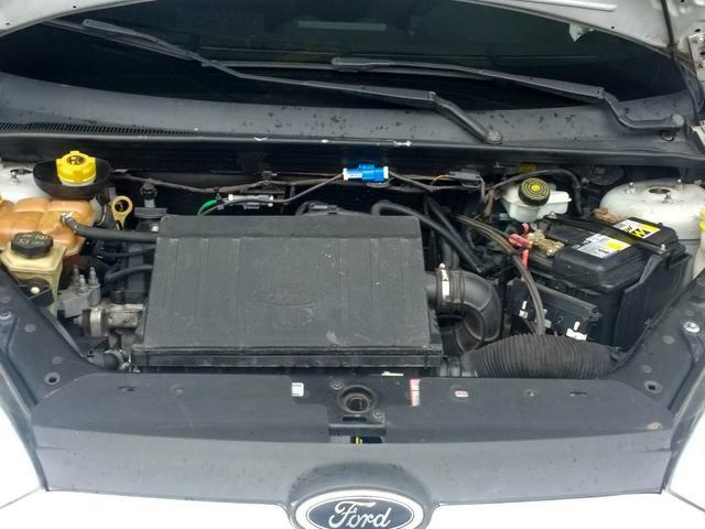 Fiesta Hatch 1.0 é Na World Car - Foto 2