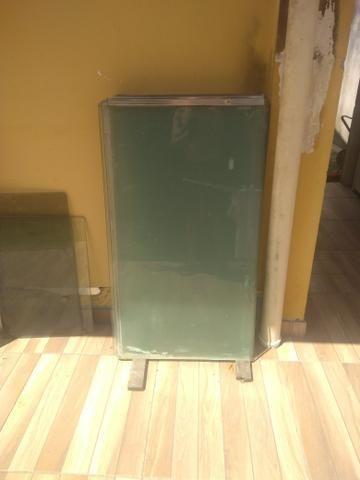 Painéis de vidro temperado