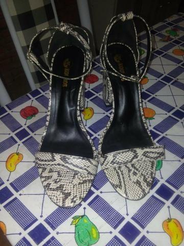 Vendo um sapato e um secador - Foto 3