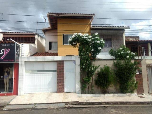 Casa no Cohatrac 5 - Vendo