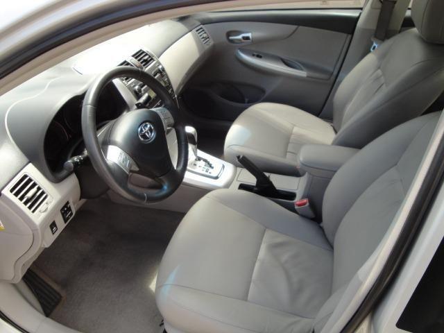 Toyota Corolla Xei 2013 Automático - Foto 14
