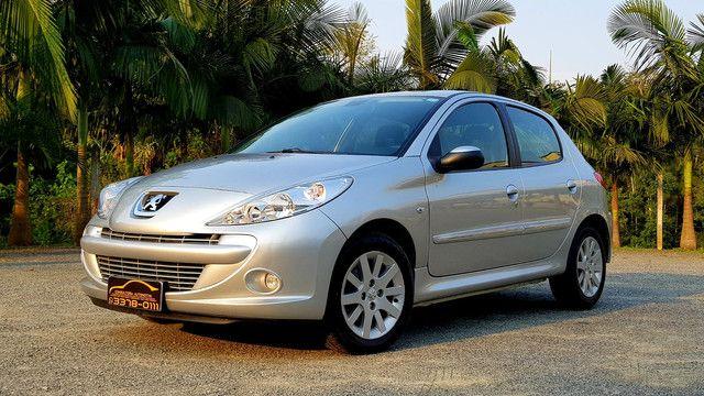 Peugeot 207 1.6 automático 2013