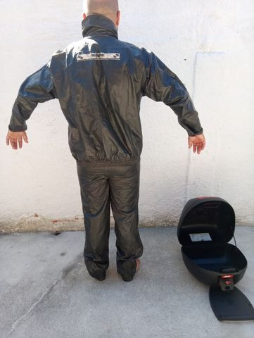 Roupa de chuva e baú de motocicleta - Foto 5