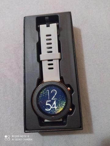 Smartwatch L11 dourado novíssimo