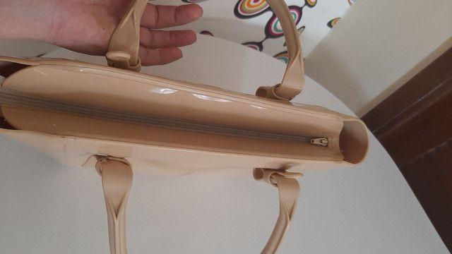 Bolsa Petite Jolie original, com uma pequena marca atrás  - Foto 3