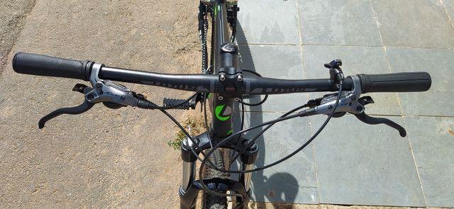 Excelente oportunidade: Bicicleta Lotus seminova,toda Alívio - Foto 4