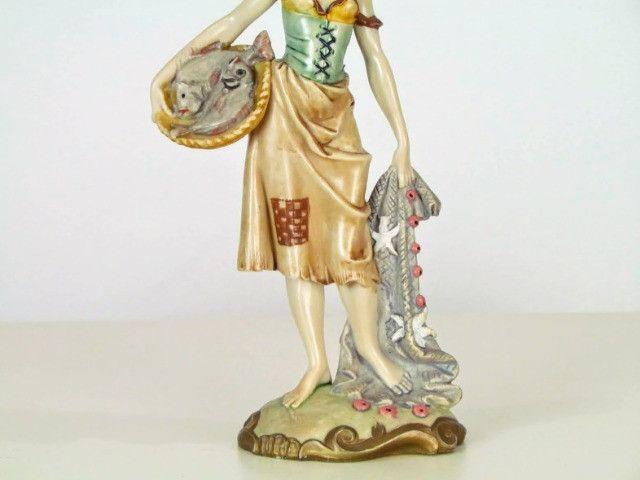 Estatueta resina figura feminina - Foto 5
