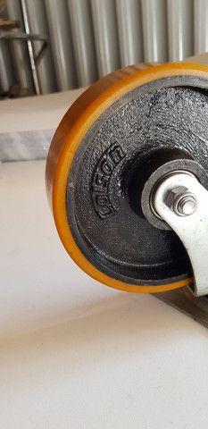 Rodízio Giratório Colson 300kg com freio