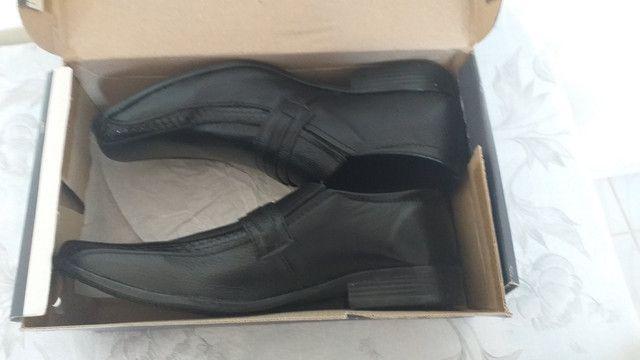 Vende-se sapato social novo,nunca usado!n°40 - Foto 2