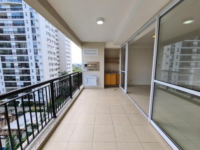 Apartamento para Venda em Rio de Janeiro, Jacarepaguá, 3 dormitórios, 3 suítes, 4 banheiro - Foto 4