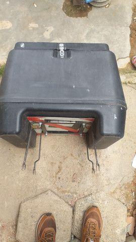 Caixa para motos 80 litros nova 150 reais - Foto 5