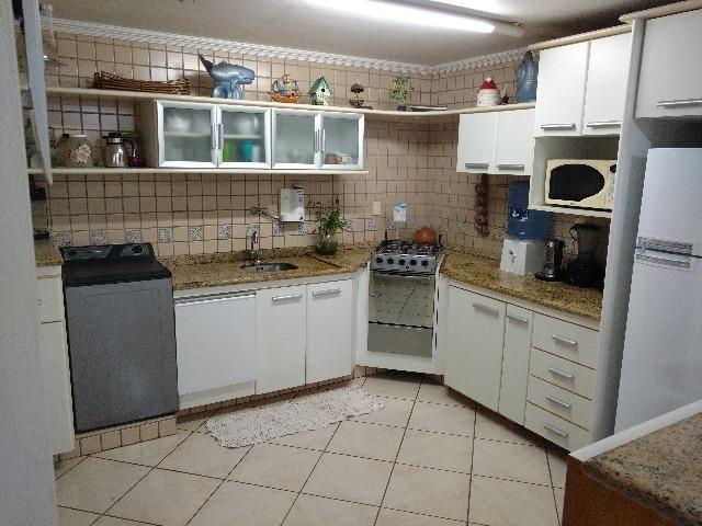 Apartamento mobiliado em Canasvieiras com 3 dormitórios