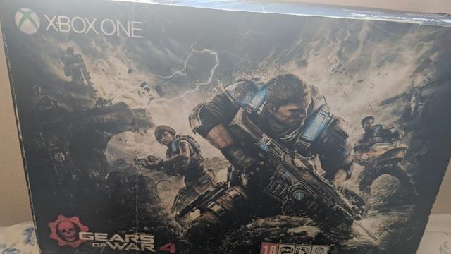 Xbox One S Edição Gears of War 4