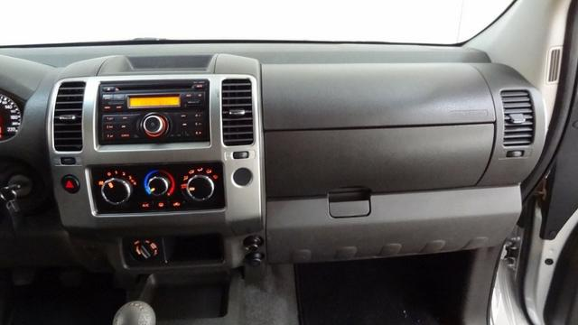 Nissan Frontier SV Attack 2.5 TD CD 4×4 - Foto 9