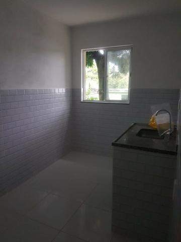 035 Casa 3 qts, quintal livre na frente - junto ao Viaduto - Nilópolis - Foto 6