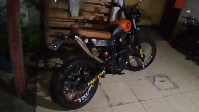 Super scrambler 400cc