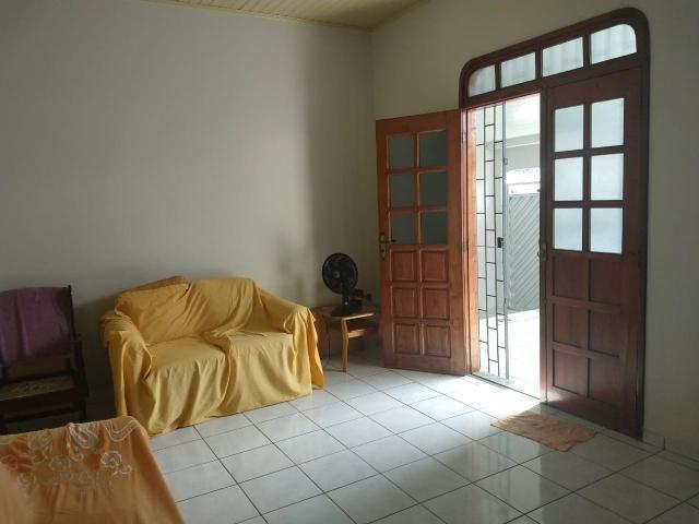 Excelente casa, ótima localização, pronta para morar - Foto 12