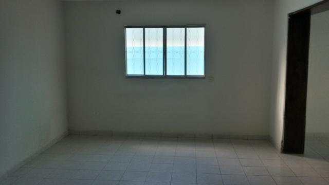 1035 - Casa Duplex - 06 Quartos - 02 Suítes - Terraço - Varanda - Loc. em Cajueiro Seco - Foto 7
