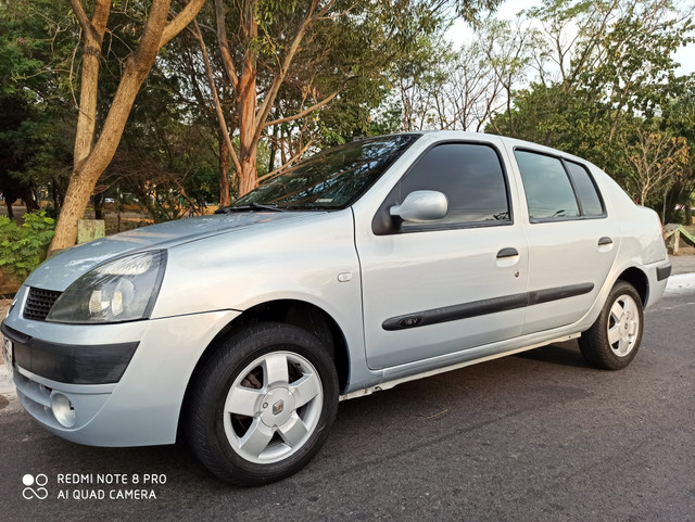 Clio sedan 2004 - Foto 2