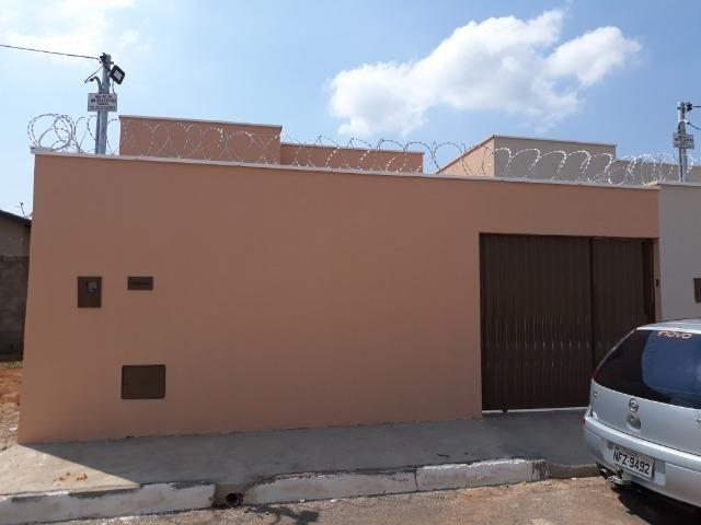 Casa 2 Quartos Suíte Próximo a Coca Cola
