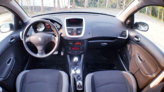 Peugeot 207 1.6 automático 2013 - Foto 3