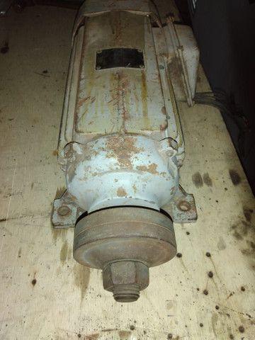 Motor Veg 7,5 cv  sendo 3510 rpm (Trifásico) - Foto 3