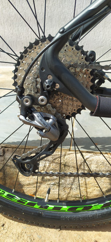 Excelente oportunidade: Bicicleta Lotus seminova,toda Alívio - Foto 6