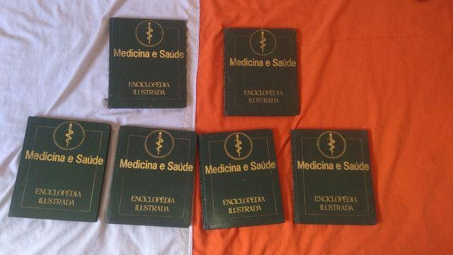 (Coletânea )de 6 livros de medicina ilustrada.livros muito informativos