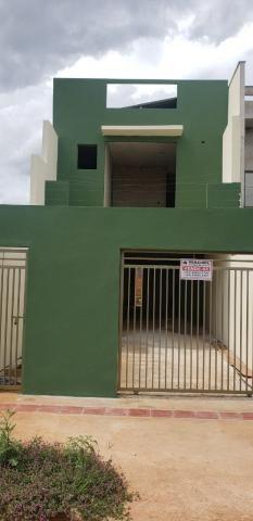 8099 | Sobrado à venda com 3 quartos em São Pedro, Londrina