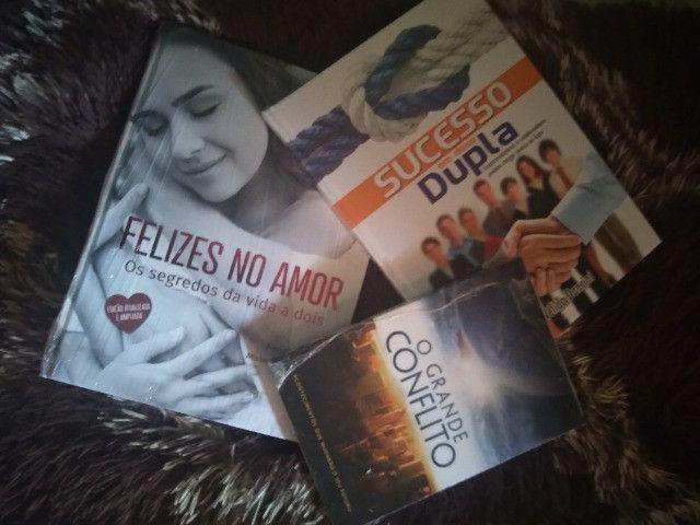 Vendo 3 livros - Foto 2