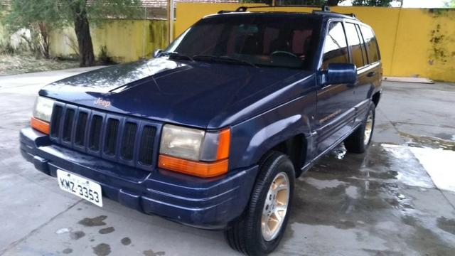 Delightful Jeep Grand Cherokee Limited V8 4x4 TOP