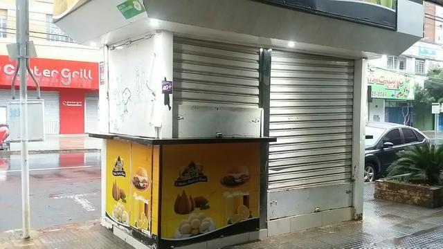 Vende um lanche livre de aluguel e condomínios ou aluga na rua 4 centro de Goiânia
