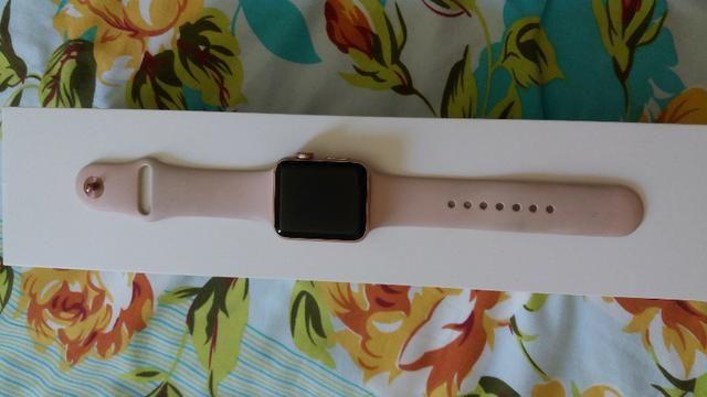 Vendo apple watch serie 3 rose com GPS + Celular com marca de uso - Foto 3