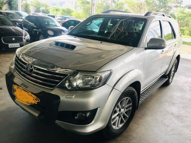 TOYOTA HILUX SW4 2013/2013 3.0 SRV 4X4 7 LUGARES 16V TURBO INTERCOOLER DIESEL 4P AUTOMÁTI