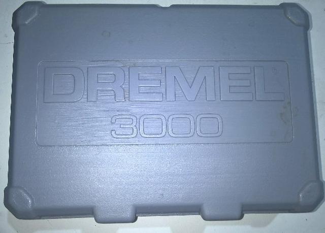 Micro retifica Dremel 3000 26 acessórios