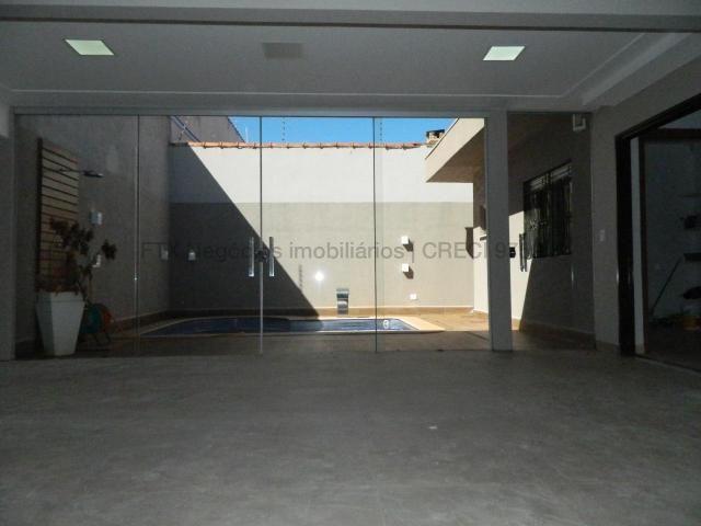 Casa moderna com sala ampla - Foto 13