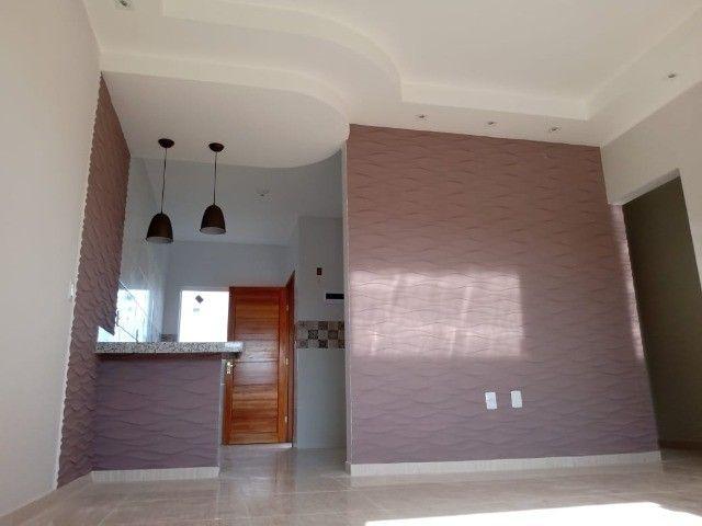 Maravilhosa casa em Itaipuaçú com uma excelente sala de estar!!!  - Foto 7