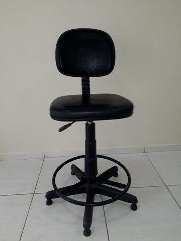 Banco Alto Giratório - para balcão ou mesa de desenho - 1 Unidade