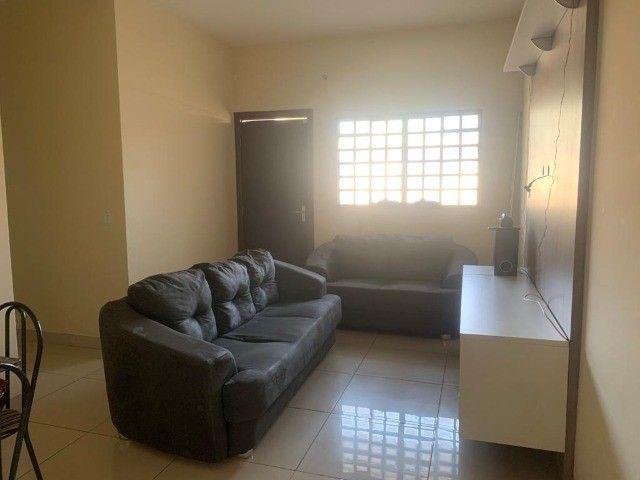 Alugo casa Mobiliada no Bairro Rita Vieira - localização privilegiada - Foto 3