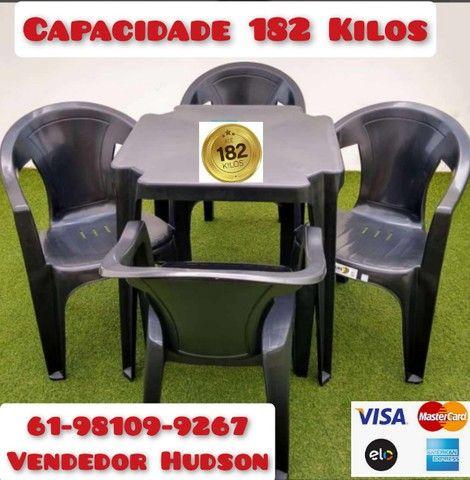 Mesas e Cadeiras de Plástico Poltrona Extra Forte - Foto 2