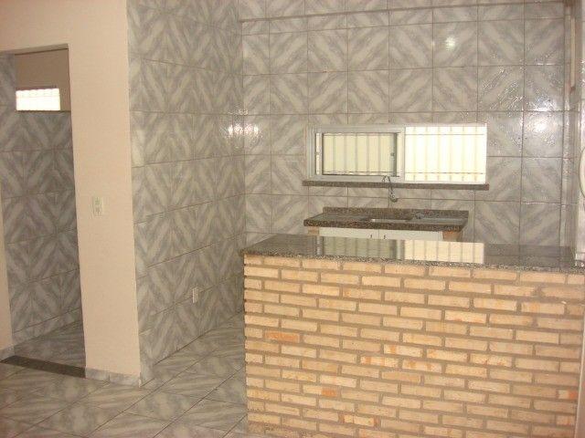 Benfica Apto com 02 Qtos, Sala, WC, Cozinha, 1 vaga para carro.(Cód.613) - Foto 9